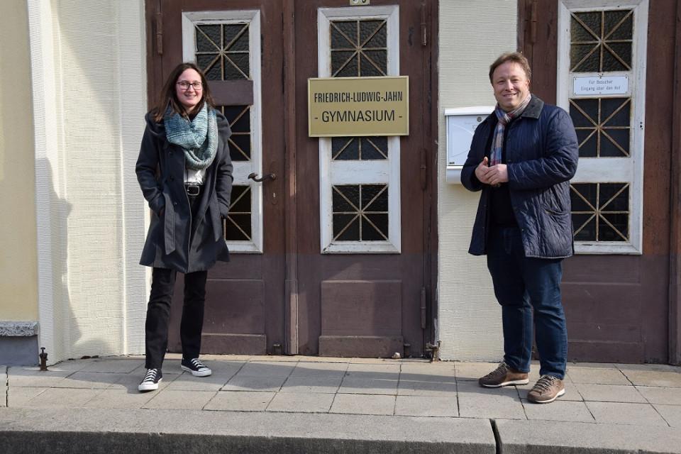 Katharina Gentes (links) mit Sebastian Steineke gestern in Rathenow